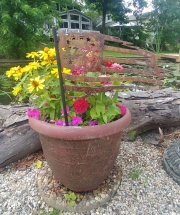 USA-Flag-1776-garden-stake-in-flower-pot-2