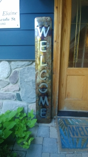 WELCOME-porch-sign-BURNED-RUSTED-w-Galv-back-plate-close-up
