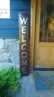WELCOME-porch-sign-RUSTED-w-Galv-back-plate-close-up