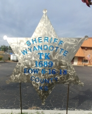 Wyandotte-County-Sheriff-memorial-yard-stake-cropped