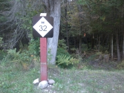 M32-highway-sign-on-trailhead-post