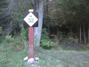 M32-highway-sign-on-trailhead-post