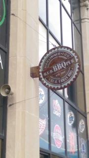 RUB-PUB-BBQ-sign---installed