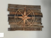 Reclaimed-Pallet-Wood-with-compass-sign