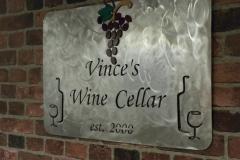 Vinces-Wine-Cellar-sign---s